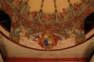 Deckendetails der Opera Mauritius