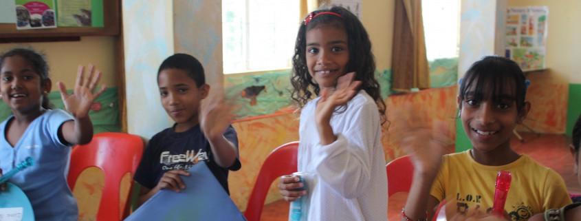 Kinder im Musikunterricht in Mangalkhan